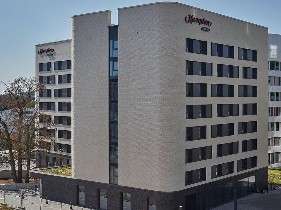 Neubau Hotel Hampton by Hilton
